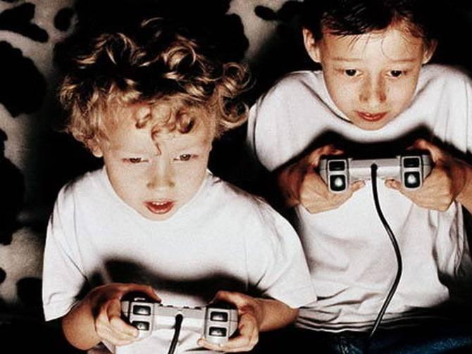 فوائد و أضرار الألعاب الإلكترونية على الأطفال